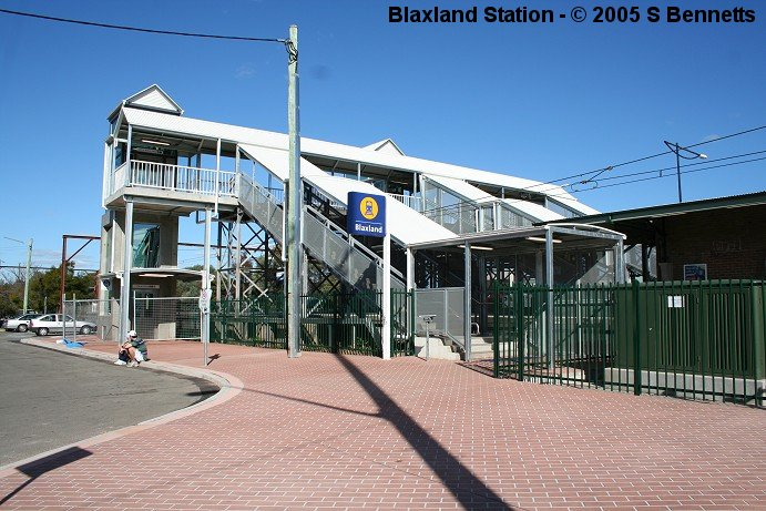 A photo showing the new lift to Wilson Way on the up side of Blaxland station. The stairs and footbridge have also had roofing installed.