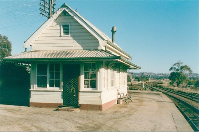 The signal box on the platform.
