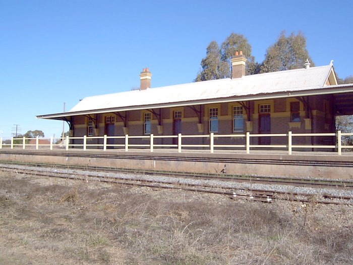 The single-storey station building.