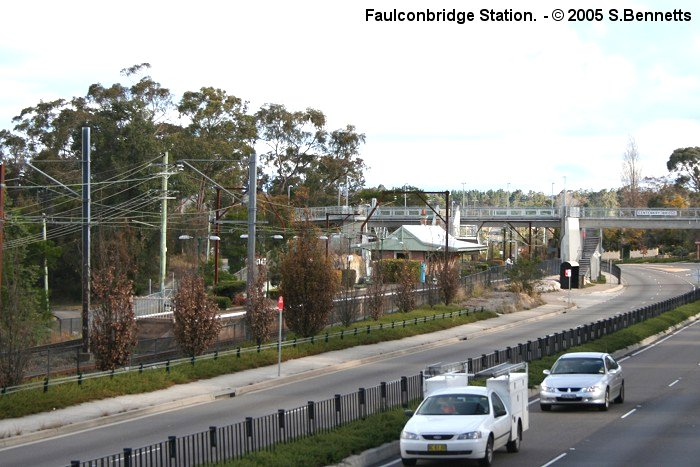 A view looking across towards Faulconbridge station looking along highway away from Sydney. (View is roughly south west and shows Sydney end of platform).