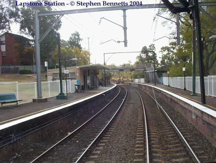 Lapstone station looking back towards Sydney. The Up Main and Platform 1 are on the left.