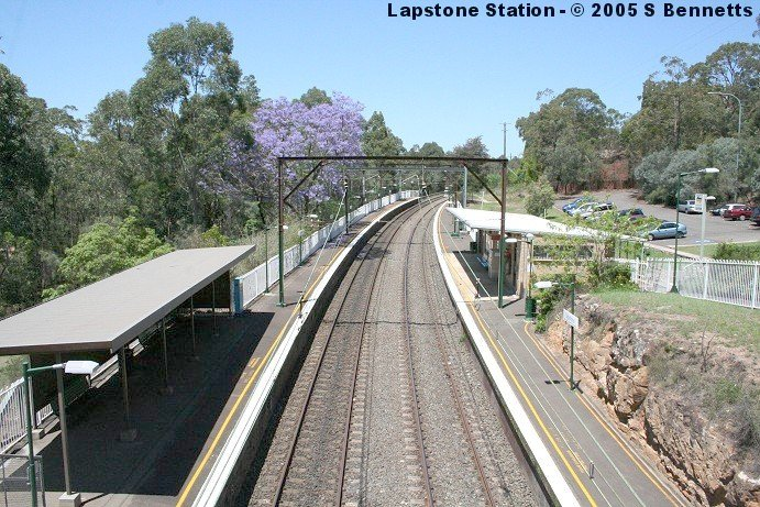 A view  looking in a down (southerly) direction, with platform 1 on the right.