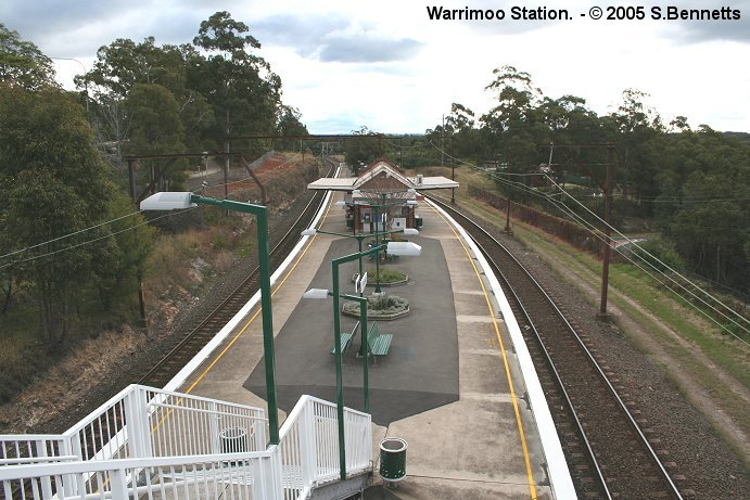 The view from the pedestrian footbridge looking west over Warrimoo Station.
